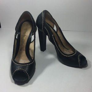 •Gwen Stefani L.A.M.B black heels• size 8.5 EUC
